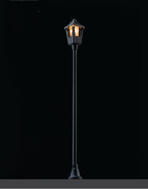 Lantern-like Lighting withSingle Flame Maquette