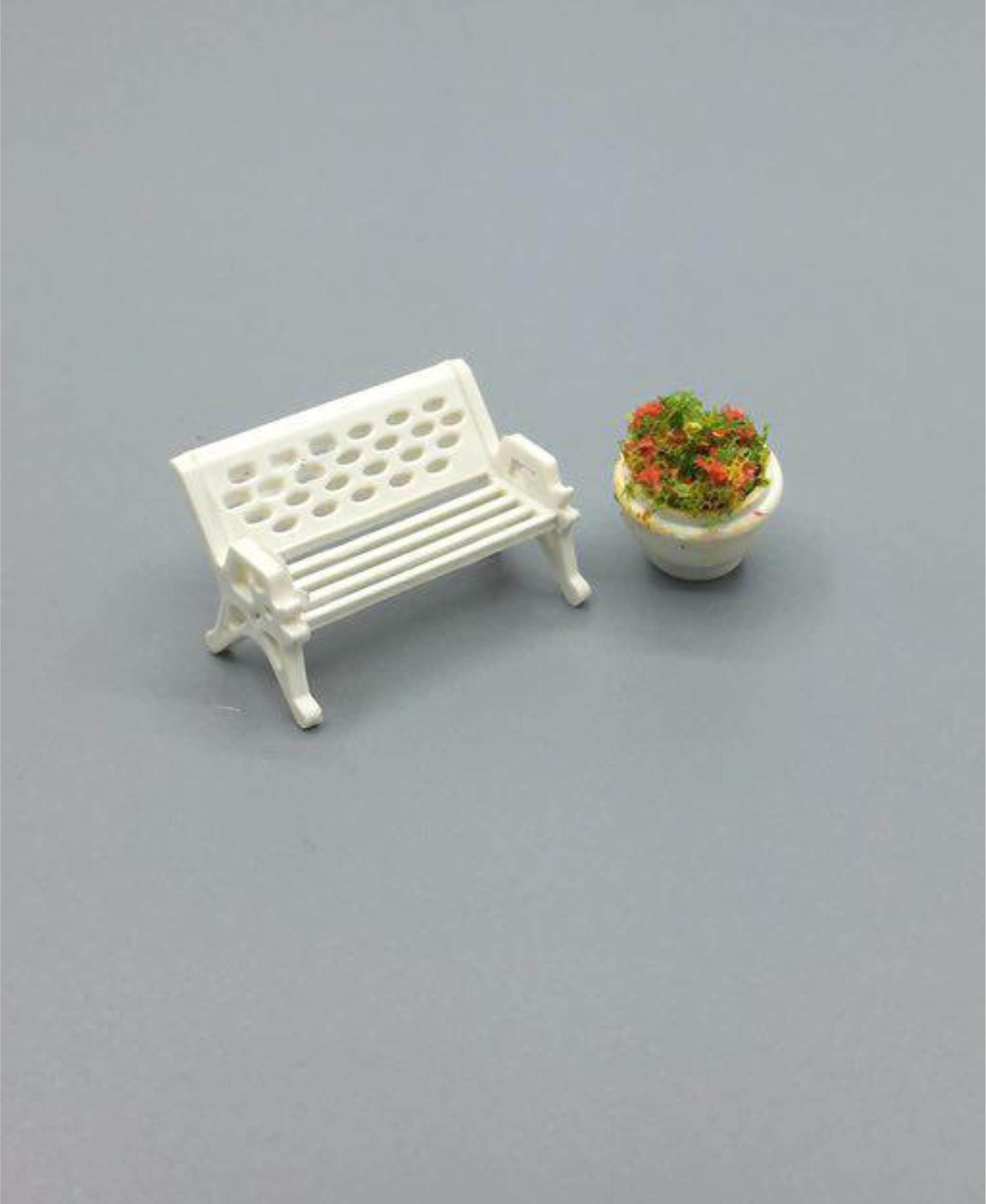 Bench and pot Maquette